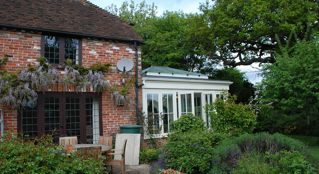 Orangery-attached-to-Cottage-banner01